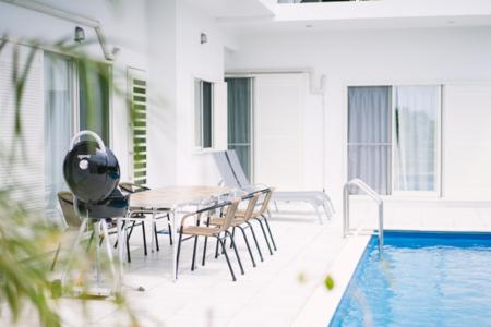 貸別荘の専用プール